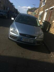 Ford Focus 1.6 ghia cream