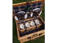 4 person picnic hamper case