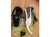Childrens Puma Evospeed star 5 running shoes U.K size 1.5