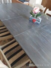 Vintage Dining Table with chairs in perfect condition