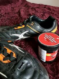YOUTH GILBERT RUGBY/FOOTBALL BOOTS + DUBBING WORN ONCE