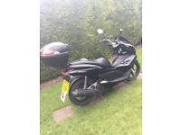 honda PCX 125 legal learner motorbike ,2012 in black