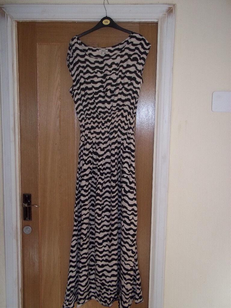 Ladies Long Summer Dress Size 14