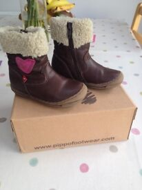 Pippo girls boots size 7