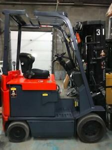 2010 Chariot elevateur Toyota lectrique 5000 Lbs ,used  forklift electric 4 valve 4 section avec garantie lift usage