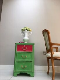 Chest of drawers - very nice !!