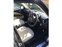 Mini Cooper Countryman - 1 careful lady owner - Chilli Pack - Electric Sun Roof - Leather Interior