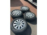 Wheels, tyres and hub caps set of 4 - 215/65 R16 C