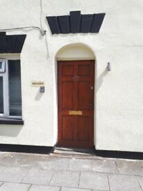 4 bedroom student house opposite Francis close hall