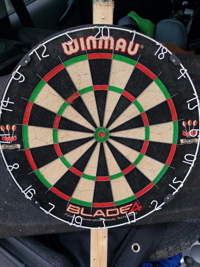 Winmau blade 4 dart board