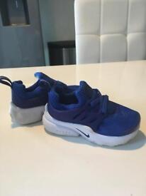 Infants Nike presto