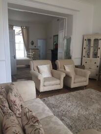 Fully Equipped Lovely Large Open Plan Studio Flat - Royal York Crescent Clifton