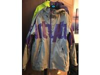 32 Thirtytwo Lowdown snowboard jacket size M