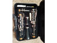 clarinet yamaha with case, stand, books