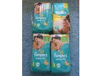200 Pampers nappies size 3