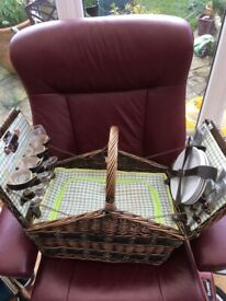 Brand New Wicker Picnic Set with 4 Place Settings