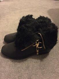 Miss Selfridge. Size 4. Black fur boots.