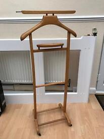 Wooden suit tidy rack hanger