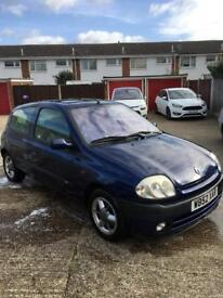 Renault Clio limited edition sport 1.6
