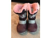Kids Snow boots size 6 UK or 23 EU