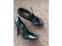 ZARA green, patent leather heels, size 6 1/2