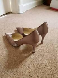 Silk heel shoes