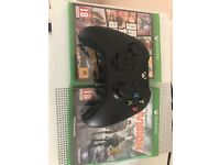 XB1 S 500GB 2 Controllers 7 Games