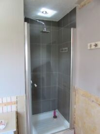 Glass Shower Door and Square Shower Head