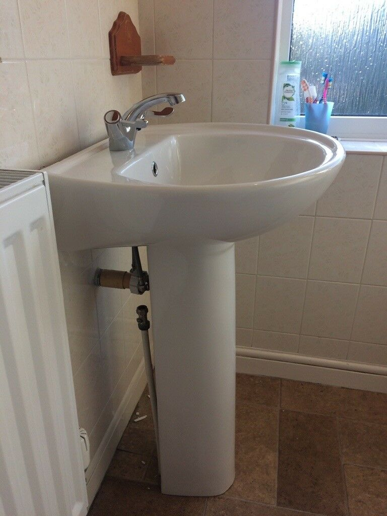 Brand New B And Q Pedestal Sink In