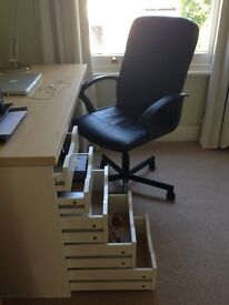 University student selling desk with drawers for £10