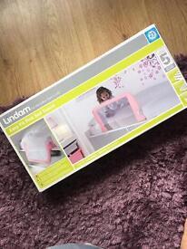 Lindam bed guard pink