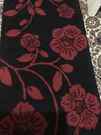 Beautiful long rug in very good condition only £15