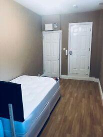 Luxury en-Suite bedsit to Rent in Church Avenue LE3 6AJ
