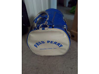 electric blue barrel bag Fred Perry. Great condition