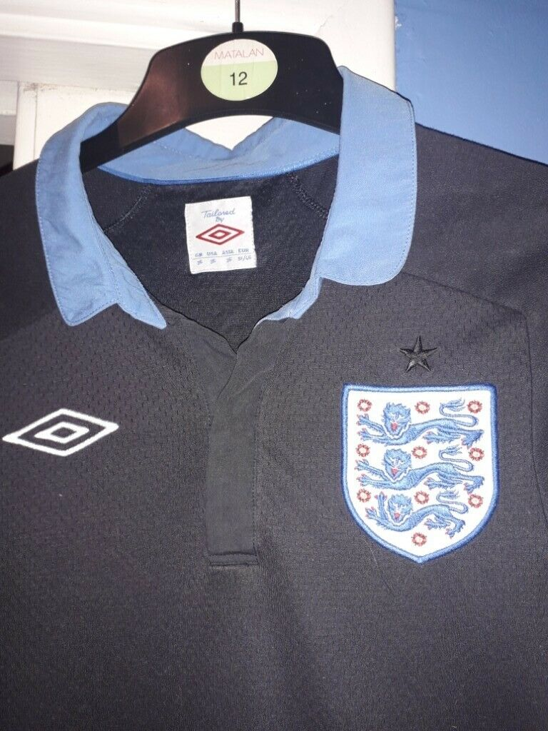 d983bad93 5 FOOTBALL SHIRTS - 3-4 , 12-13 , 2 Small & XL , GOOD CONDITION   in ...