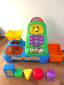 Fisher Price Laugh 'n' Learn Magic Scan Market