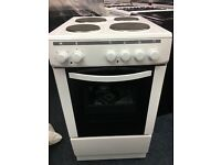 CURRYS ESSENTIAL 50CM BRAND NEW SOLID TOP ELECTRIC COOKER IN WHITE