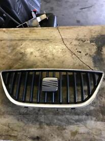 Seat Ibiza 2008-2013 front bumper top grill
