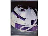 RUSSELL HOBBS EASY STEAM GENERATOR IRON BRAND NEW can courier