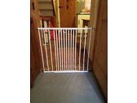 White baby gate like new