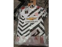 Manchester United football kit age 2-3