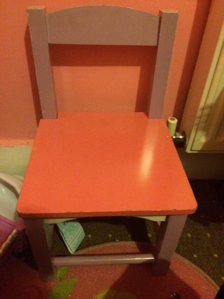 Desk chair and book shelfin Reading, BerkshireGumtree - Desk chair and book shelf books not included desk chair need tightening loose screwsSome pen marks desk has storage space book shelf was a tellytubby shelf but was painted pink sturdy wooden set