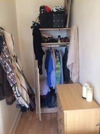 Light, spacious fully furnished room in west end partick flat.