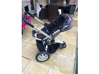 Quinny Buzz Pushchair with cot, both rain covers and adapters for maxi-cosi cabriofix