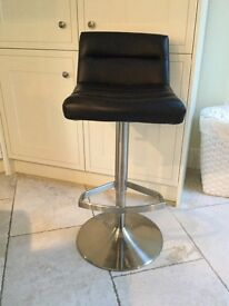 Set of 4 Kitchen Stools - Chrome and black faux leather