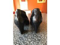 Thierry Rabotin Ladies Black Shoes Size 4