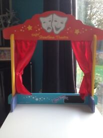 Wooden Bigjigs Puppet Theatre