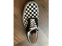 New-Vans Black and white- Checkerboard