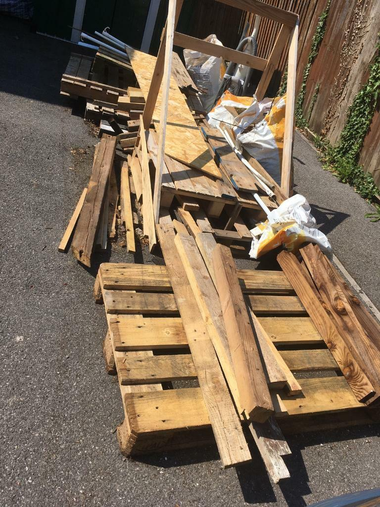 Untreated wood free and pallets   in Clanfield, Hampshire ...