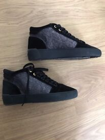 Android Homme Size 7